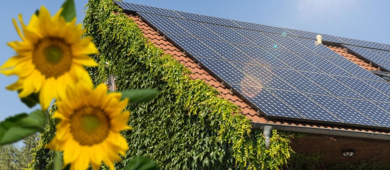 Hausdach mit einer Solaranlage