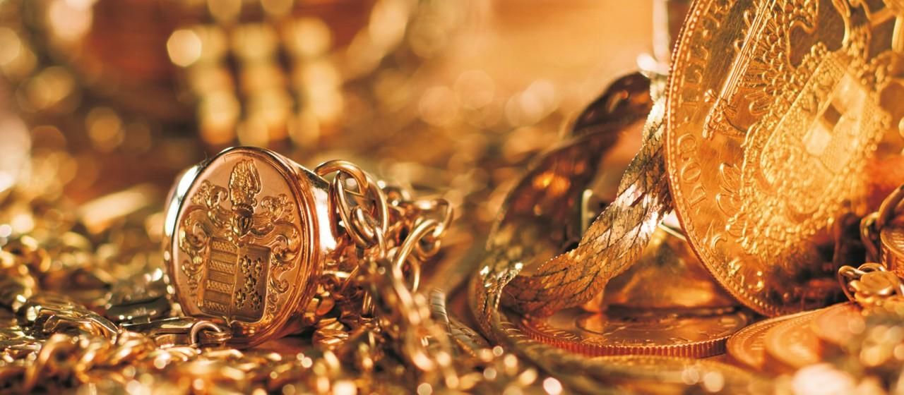 Goldmünzen und - schmuck